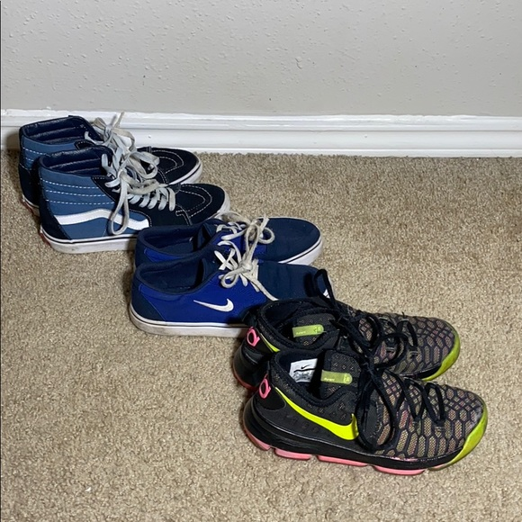 Nike Other - Kids shoe lot 3.5 x2, 2.5 x1